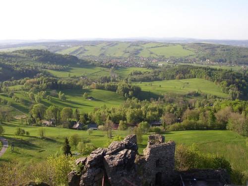 Pohled z Tolštejna na Jiřetín pod Jedlovou, zdroj: wikipedia.org